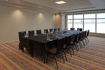 Meeting space at Applause Hotel by CLIQUE, Calgary Airport